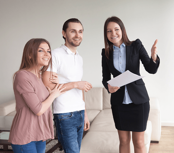 6 Tips to Choosing the Right Winnipeg Home Builder Couple with Agent