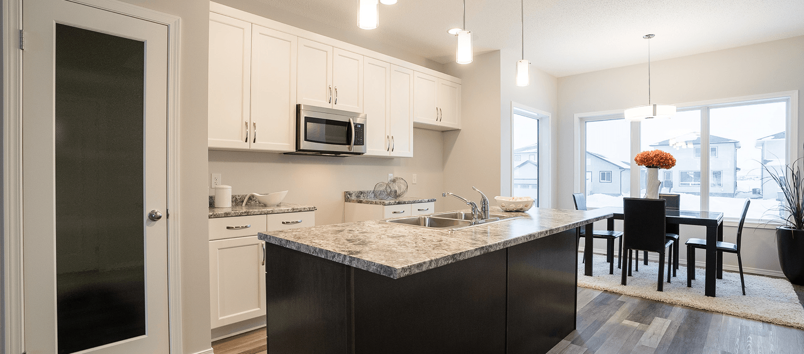 Move In Ready Home: 39 Silver Creek Boulevard Featured Image