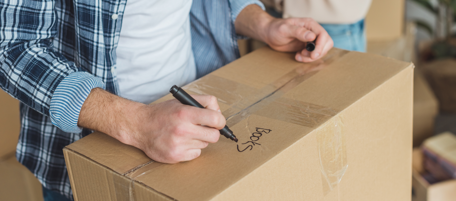 7 Tips to Stay Organized For Your Move Featured Image
